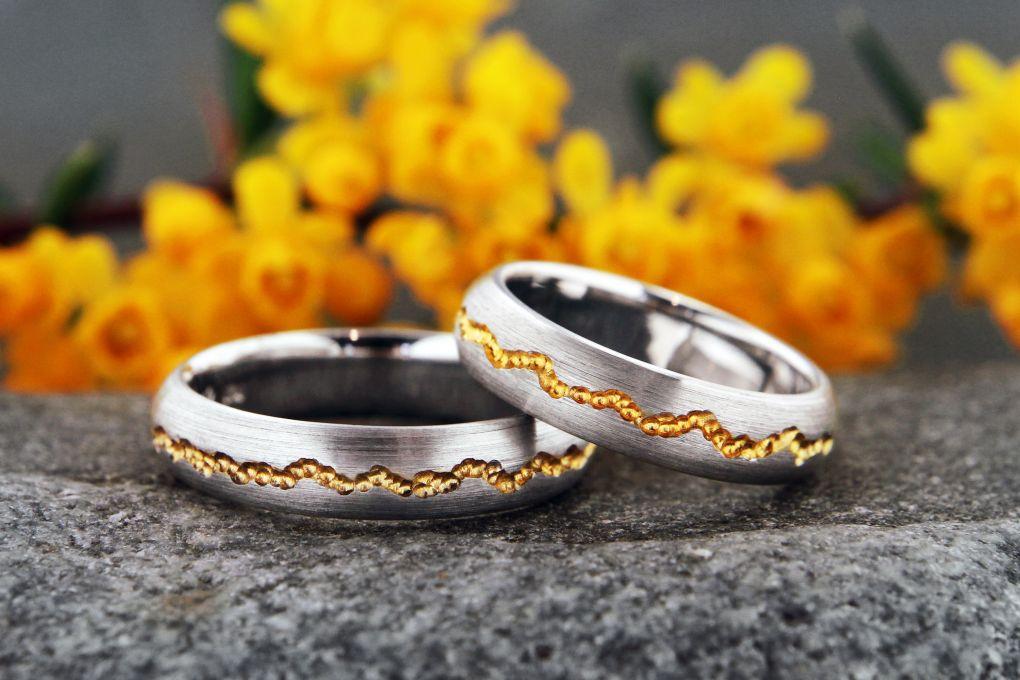 Jubiläumsringe Rille Gelbgold aus alten Eheringen