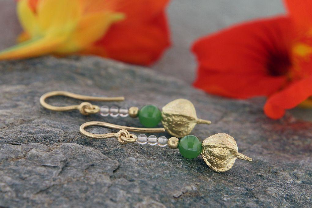 Ohrhänger Gelbgold, mit Jade und Bergkristall