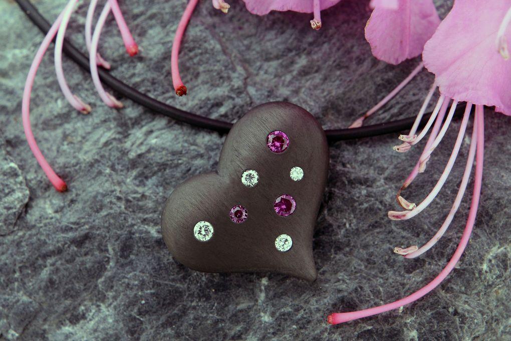 Anhänger Karbon, mit Brillanten und pink Safiren