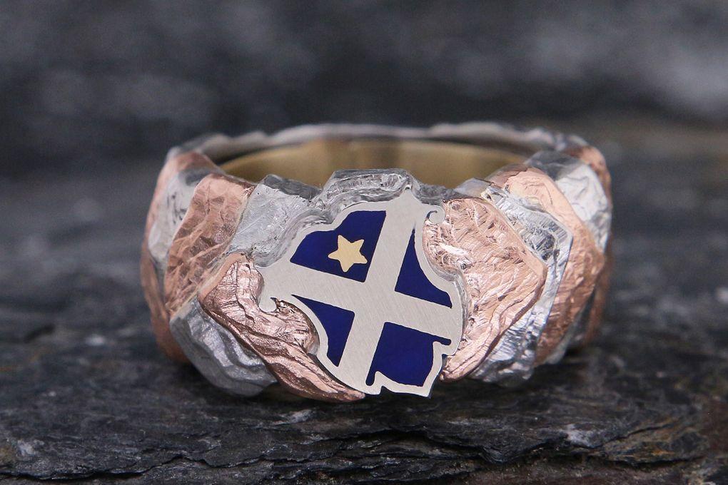 Wappenring Platin 950, Rotgold 750 6N, Stern Gelbgold 750, Wappen mit blauer Hybridkeramik