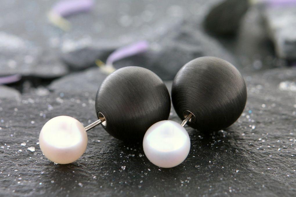 Ohrstecker beidseitig tragbar Perlen und Karbon