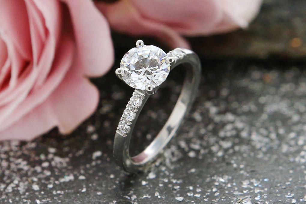 Verlobungsring Weissgold 750, Preis auf Anfrage